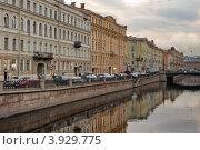 Купить «Петербург. Канал», эксклюзивное фото № 3929775, снято 9 октября 2012 г. (c) Александр Алексеев / Фотобанк Лори