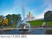 Церковный корпус Большого дворца. Петергоф (вид с Нижнего сада) (2012 год). Редакционное фото, фотограф Геннадий Соловьев / Фотобанк Лори