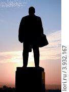 Купить «Тени истории (памятник В.И. Ленину в Пятигорске)», фото № 3932167, снято 16 мая 2018 г. (c) Валерий Шилов / Фотобанк Лори