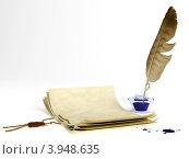 Старые письмена и перо с чернильницей. Стоковая иллюстрация, иллюстратор Андрей Воскресенский / Фотобанк Лори