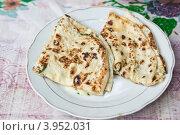 Купить «Кавказские хичины на тарелке», фото № 3952031, снято 10 августа 2012 г. (c) Gagara / Фотобанк Лори