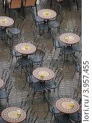 Уличное кафе. Стоковое фото, фотограф Елена Носик / Фотобанк Лори