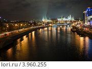 Купить «Москва река с моста», фото № 3960255, снято 5 февраля 2012 г. (c) Кузьминов Юрий Юрьевич / Фотобанк Лори