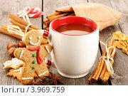 Купить «Рождественский натюрморт - горячий шоколад и имбирный пряник», фото № 3969759, снято 26 октября 2012 г. (c) Николай Охитин / Фотобанк Лори