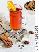 Купить «Чай с апельсином и специи», фото № 3980951, снято 27 октября 2012 г. (c) Darkbird77 / Фотобанк Лори