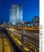 Башни Азриэли, «А-Шалом», Azrieli Center, Tel Aviv (2010 год). Редакционное фото, фотограф Петров Сергей / Фотобанк Лори