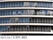 Здание современного бизнес центра в городе. Стоковое фото, фотограф Николай Михайловский / Фотобанк Лори
