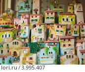 Купить «Маленькие сувенирные домики города Тропея, Италия», фото № 3995407, снято 18 июля 2012 г. (c) Наталия Македа / Фотобанк Лори