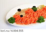 Тарелка с красной рыбой. Стоковое фото, фотограф Мария Егунева / Фотобанк Лори