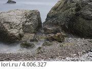 Камни в туманной глади воды. Стоковое фото, фотограф Влад ЩЧ / Фотобанк Лори