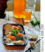 Купить «Свинина по-нормандски», фото № 4008243, снято 13 октября 2011 г. (c) Татьяна Ворона / Фотобанк Лори