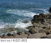 Морская волна бьется о камни (2009 год). Стоковое фото, фотограф Анна Андреева / Фотобанк Лори