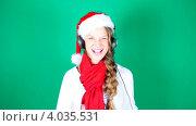Девочка в шапочке Санта-Клауса. Стоковое видео, видеограф Серёга / Фотобанк Лори
