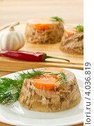 Купить «Заливное из мяса», фото № 4036819, снято 20 ноября 2012 г. (c) Peredniankina / Фотобанк Лори