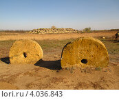 Каменная могила (2012 год). Стоковое фото, фотограф Ольга Рунышкова / Фотобанк Лори