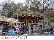 Купить «Карусель на Монмартре, Париж, Франция», фото № 4041131, снято 28 декабря 2011 г. (c) Светлана Колобова / Фотобанк Лори
