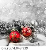 Купить «Елочные украшения на фоне с боке и снежинками», фото № 4048939, снято 17 августа 2018 г. (c) ElenArt / Фотобанк Лори