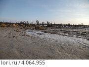 Купить «Устройство грунтового основания на болоте», эксклюзивное фото № 4064955, снято 12 ноября 2012 г. (c) Валерий Акулич / Фотобанк Лори