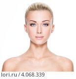 Купить «Портрет девушки с гладко зачесанными волосами», фото № 4068339, снято 9 октября 2012 г. (c) Валуа Виталий / Фотобанк Лори