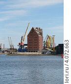 Купить «Калининградский порт (здание)», эксклюзивное фото № 4072663, снято 25 июня 2008 г. (c) Ната Антонова / Фотобанк Лори