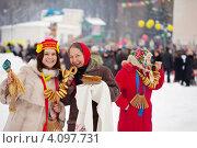 Купить «Весёлые женщины празднуют Масленицу», фото № 4097731, снято 26 февраля 2012 г. (c) Яков Филимонов / Фотобанк Лори