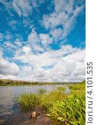 Летний водный пейзаж с небом и облаками. Стоковое фото, фотограф Игорь Низов / Фотобанк Лори