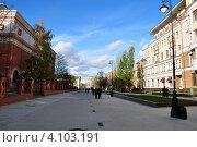 Купить «Лаврушинский переулок в Москве», эксклюзивное фото № 4103191, снято 27 октября 2012 г. (c) Володина Ольга / Фотобанк Лори