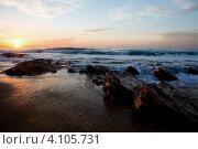 Купить «Вид на средиземное море и прибой в часы заката», фото № 4105731, снято 9 декабря 2012 г. (c) Николай Винокуров / Фотобанк Лори