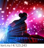 Купить «Силуэт диск-жокея за пультом, играющего в клубе на фоне огней светомузыки», фото № 4123243, снято 5 ноября 2019 г. (c) Sergey Nivens / Фотобанк Лори