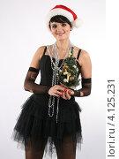 Красивая сексуальная девушка в костюме санта клауса с елкой, новый год. Стоковое фото, фотограф Бугаенко Татьяна / Фотобанк Лори