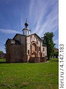 Купить «Церковь Параскевы Пятницы, Великий Новгород», фото № 4147183, снято 26 мая 2012 г. (c) Дмитрий Черевко / Фотобанк Лори