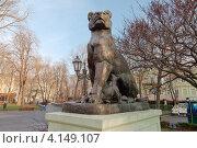 Купить «Бронзовая львица с детенышами, Одесса», фото № 4149107, снято 27 декабря 2012 г. (c) Некрасов Андрей / Фотобанк Лори