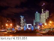 Купить «Общий вид на квартал Дефанс ночью. Париж, Франция», фото № 4151051, снято 27 декабря 2012 г. (c) Светлана Колобова / Фотобанк Лори