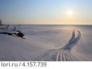 Зимний снежный пейзаж реки Камы и солнца. Стоковое фото, фотограф Алексей Макшаков / Фотобанк Лори