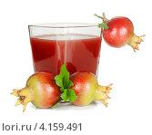 Купить «Гранатовый сок и молодые гранаты», фото № 4159491, снято 15 декабря 2012 г. (c) Ирина Денисова / Фотобанк Лори