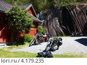 Стоянка мотоциклов (2009 год). Редакционное фото, фотограф Яна Негроенко / Фотобанк Лори