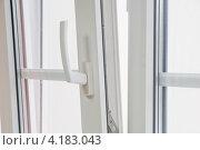 Купить «Окно», фото № 4183043, снято 28 декабря 2011 г. (c) Владимир Хаманов / Фотобанк Лори