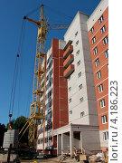 Строительство многоэтажного кирпичного дома. Стоковое фото, фотограф Алексей Макшаков / Фотобанк Лори