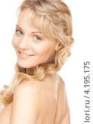 Купить «Портрет соблазнительной девушки со светлыми волосами и идеальной кожей на белом фоне», фото № 4195175, снято 3 апреля 2010 г. (c) Syda Productions / Фотобанк Лори