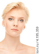 Купить «Портрет соблазнительной девушки со светлыми волосами и идеальной кожей на белом фоне», фото № 4195359, снято 24 июля 2010 г. (c) Syda Productions / Фотобанк Лори