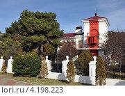 Купить «Геленджик. Створный маяк», фото № 4198223, снято 5 января 2012 г. (c) Анна Маркова / Фотобанк Лори