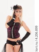 Купить «Девушка в эротическом наряде», фото № 4206899, снято 12 января 2013 г. (c) Литвяк Игорь / Фотобанк Лори