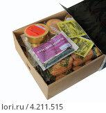 Купить «Коробка с рационом питания солдата», эксклюзивное фото № 4211515, снято 16 декабря 2012 г. (c) Анатолий Матвейчук / Фотобанк Лори