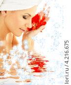 Купить «Молодая женщина с полотенцем расслабляется в СПА», фото № 4216675, снято 8 сентября 2006 г. (c) Syda Productions / Фотобанк Лори