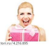 Купить «Счастливая молодая женщина с большой коробкой с подарком», фото № 4216895, снято 10 ноября 2007 г. (c) Syda Productions / Фотобанк Лори