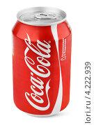 Купить «Банка Coca-Cola», фото № 4222939, снято 21 января 2013 г. (c) Роман Самохин / Фотобанк Лори
