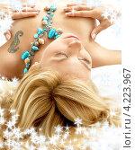 Купить «Портрет очаровательной юной девушки на фоне со снежинками», фото № 4223967, снято 15 августа 2006 г. (c) Syda Productions / Фотобанк Лори