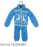 Купить «Трикотажный костюм на вешалке», фото № 4224891, снято 20 января 2013 г. (c) Игорь Веснинов / Фотобанк Лори