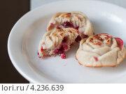 Маффины с ягодами. Стоковое фото, фотограф Виктория Козикова / Фотобанк Лори