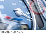 Концепция нарушение скоростного режима, фото № 4237979, снято 27 января 2013 г. (c) Рожков Юрий / Фотобанк Лори